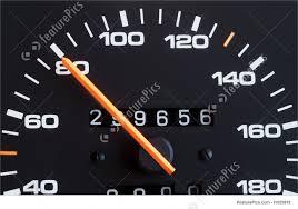 पेट्रोलियम पदार्थों पर बढ़ी कीमतों को लेकर सपाइयों ने एसडीएम को सौंपा ज्ञापन