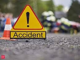 अलग अलग सड़क दुर्घटना में दो लोग गम्भीर रूप से घायल